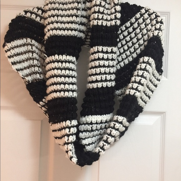2/$20 Long double wear Scarf black and white